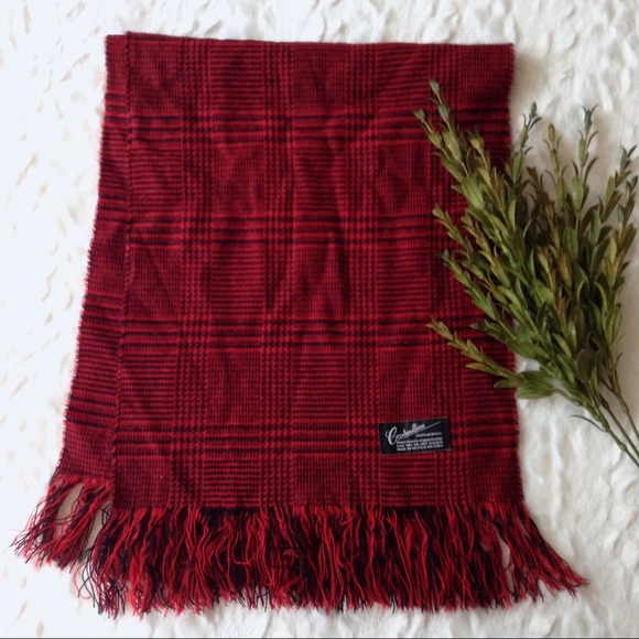 Accessories - Red plaid fringed winter scarf